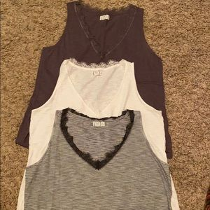Maurices 24/7 v-neck lace trim tank total 3 - XL